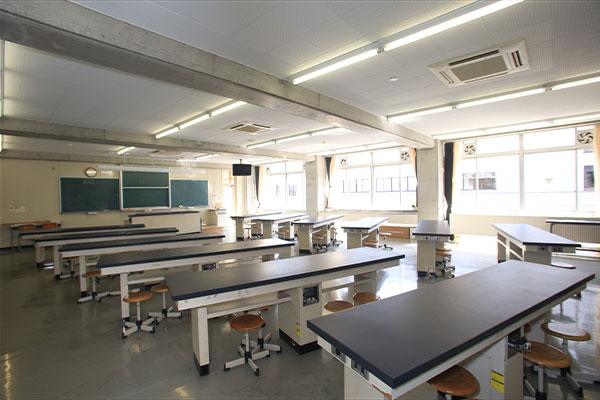物理実験室