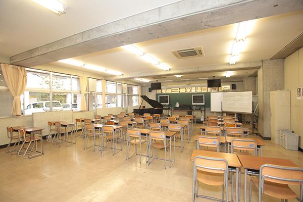 中学音楽室